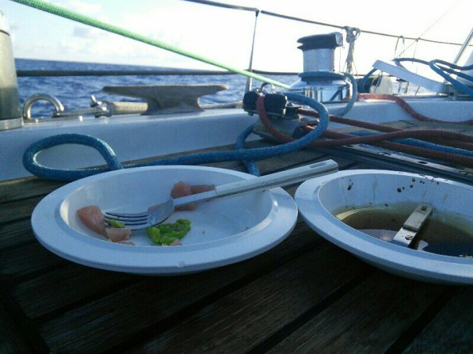 empty-plates-with-view